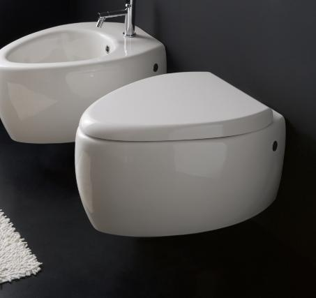 Moai Wall Mounted Toilet From Scarabeo