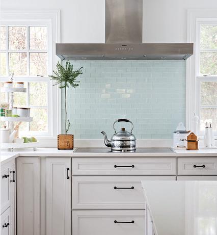 Glass Backsplash Tile (By Becky Harris, Photo By Aimee Herring)