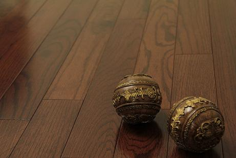 Northern Oak Solid Hardwood Floor WIth Cherry Finish From Ferma