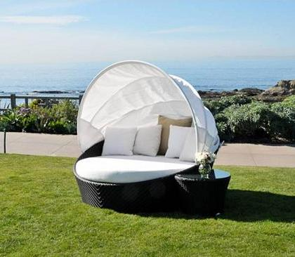 Mixime Daybed With Sunbrella Fabric From Caluco