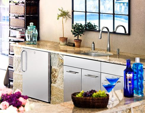 Outdoor Refrigerator From Summit Appliances