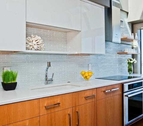 A Simple Backsplash Adds Color And Texture To Your Kitchen Without A Big Investment (by Cassia Wyner)
