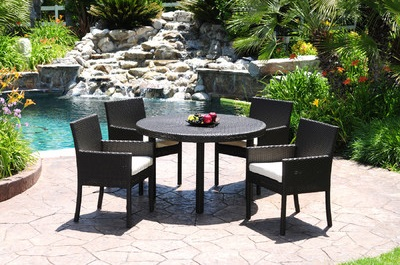 Dijon Outdoor Dining Set from Caluco
