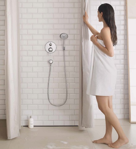 HG Shower C 100 Air Green 3-Jet Hand Shower 04345000 From Hansgrohe