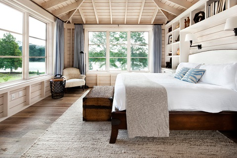 Cottage Bedrooms Should Feel Warm And Cozy With Lots Of Thick Textured Fabrics To
