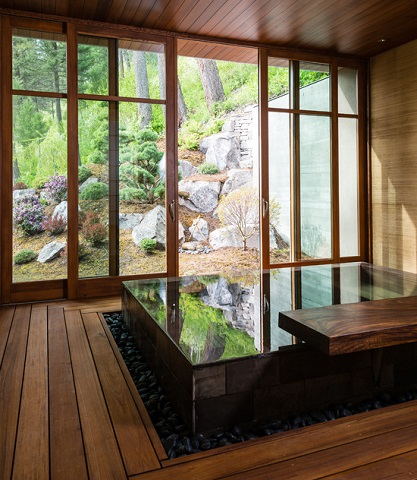 Building An Outdoor Bathroom Using Your Landscaping To Create A Decadent Spa Bath