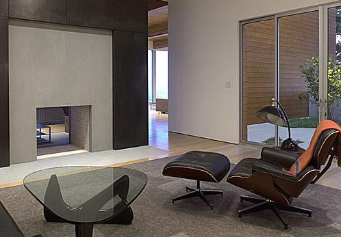 The Noguchi coffee table is trendy and iconic. (By Ogrydziak/Prillinger Architects)
