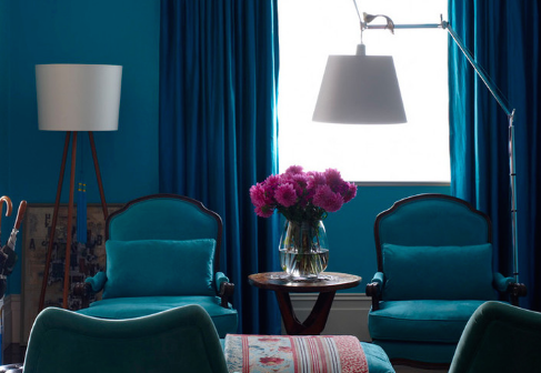 Inverting color schemes adds variety to decor. (By Scott Weston Architecture Design PL)