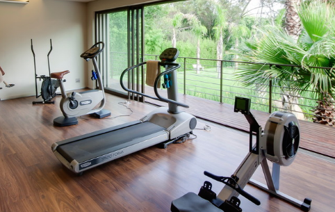 Home gyms are an investment, but one that will definitely pay off. (Nico van der Meulen Architects)