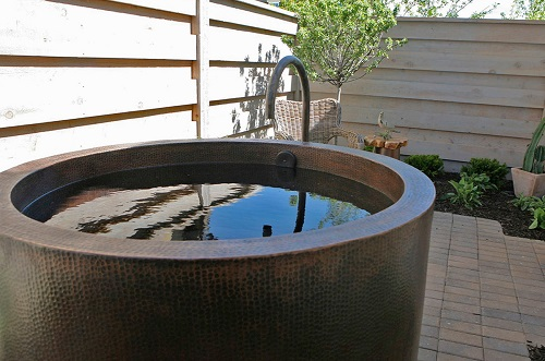 Japanese Style Soaking Hand Hammered Copper Bathtub BTR45DB from Premier Copper Products