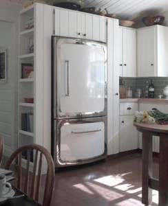 Heartland 30 Inch Classic Vintage White Refrigerator