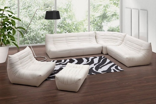 Carnival Leatherette Sectional Living Room Set From Zuo