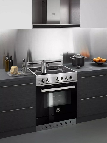 "Professional Series 30"" Electric Range with Induction Cooktop from Bertazzoni"