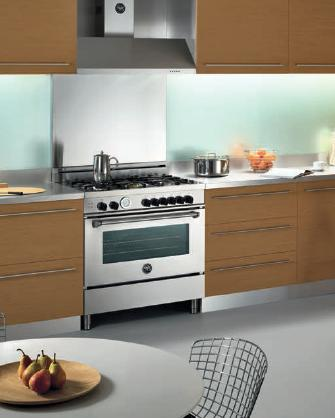 Pro Style Gas Range With 5 Sealed Burners And Gas Convection Oven From Bertazzoni