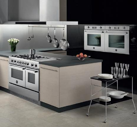Side By Side Wall Mount Ovens With Matching Range From Bertazzoni