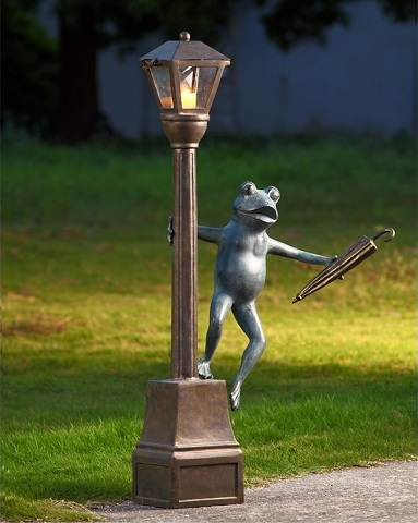 Streetlight Frog Garden Lantern 34282 from SPI Home