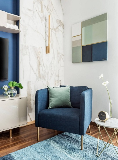 Whether on its own or mixed in with other shades of blue, a piece of denim blue furniture is a great way to add a little stylish pop to your space (by iPozdnyakov Studio)