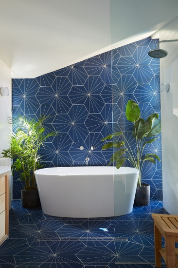 A freestanding bathtub doesn't have to be the biggest or most expensive model to look great and be a pleasure to use (by Lewis / Schoeplein architects)